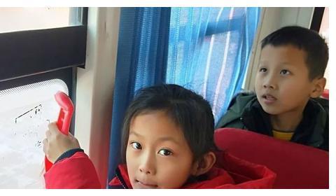 大庆市大同区祝三乡有利小学举行校车事故应急疏散演练活动