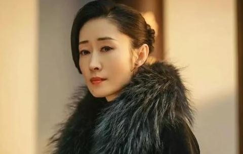 刘敏涛:30岁嫁豪门,走过7年痛苦婚姻,40岁离婚再次爆红