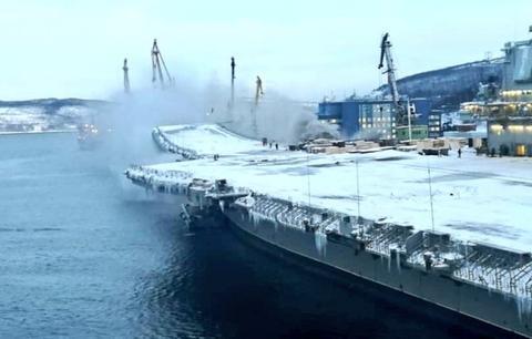 俄海军航母起火原因查明,但是维修时间要延长一年