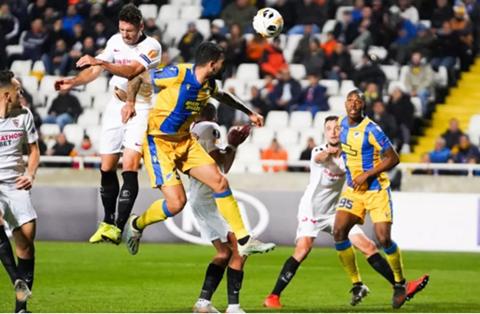 武磊错失单刀 欧洲七队集体晋级万博欧联杯