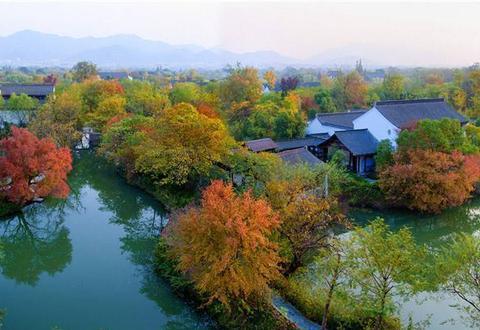 碧蓝湖面上渔舟唱晚,长生殿的千古天籁之音,环绕在西溪湿地上空