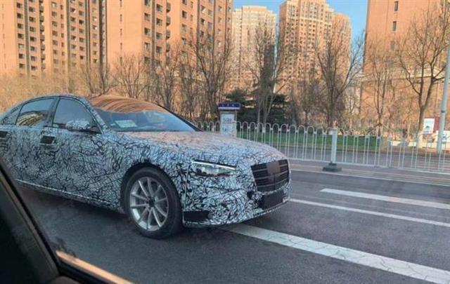 宝马7系/奥迪A8 L竞敌,全新奔驰S级国内路试谍照曝光!