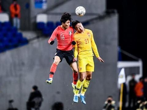 韩媒赞韩国队令中国队窒息:中国足球手都用上了仍赢不了!