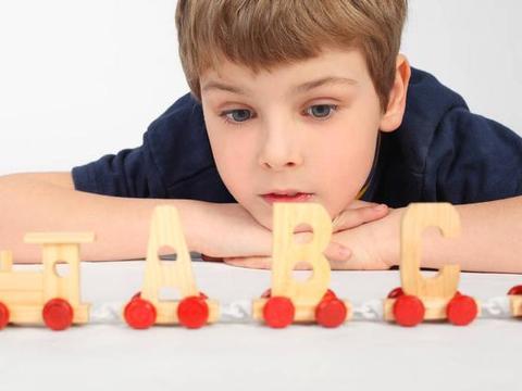 幼儿教师、园长修炼记66:小班幼儿有必要报英语兴趣班吗?