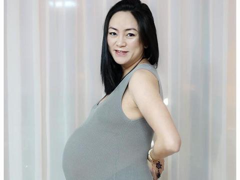 女子已当奶奶看儿媳生娃自己也想生,如今顺利产下双胞胎儿子