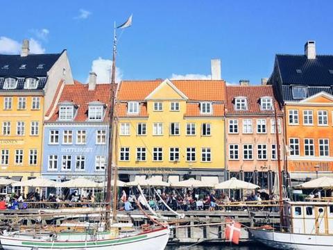 丹麦最美人工运河,童话大师曾经居住过,如今变得五颜六色