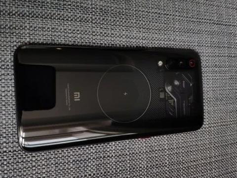 小米今年最惨的一款手机,水滴屏+小电池遭用户狂吐槽