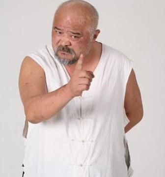 63岁李琦一家近照,儿子是演员女儿是特种兵,两人不姓李都姓高