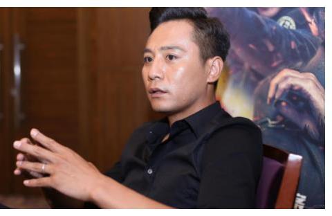 刘烨40岁妻子近照曝光,皱纹多得像老婆婆,和同龄女星差距明显