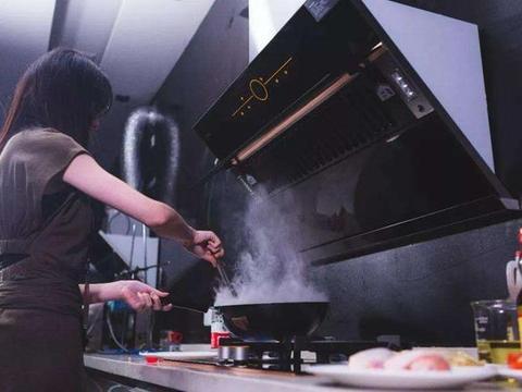 实用厨房从橱柜入手,5招教你选橱柜材料,环保安全易打理
