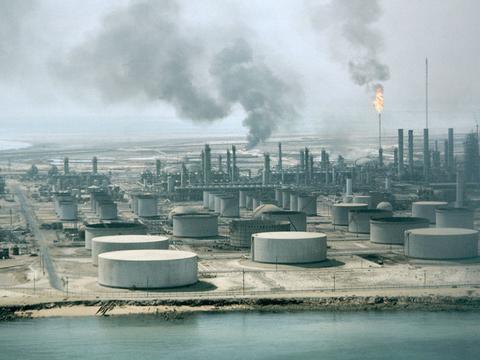 沙特决定不再打压石油产量,油价将降低,美国或成为最大赢家?
