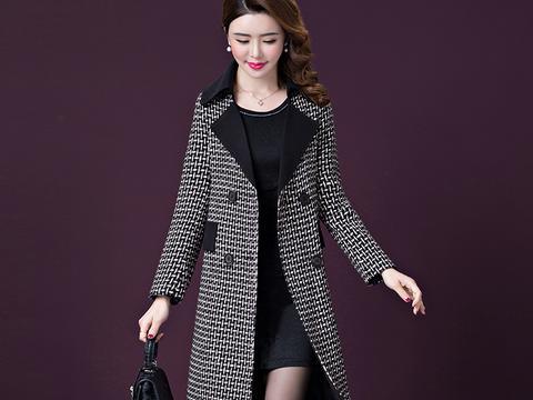 年初一,1米7以下的女人穿毛衣,丑!学下图搭配,高贵又不贵