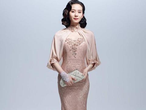 """连衣裙穿不出特色,今年流行""""旗袍裙"""",时尚显瘦又优雅高贵"""