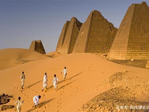 金字塔建成的秘密被揭开?设计图纸被发现,科学家却束手无策!