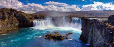 蓝湖泡温泉,冰火两重天,可惜游客太多,真得提前预约
