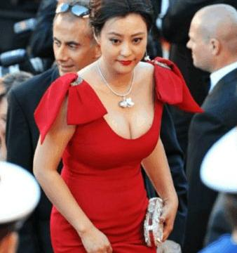 与邓超分手后,她先嫁李光洁,二婚又嫁给刘烨,41岁却又单身了