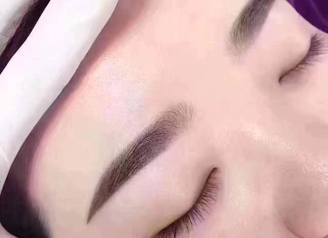雾眉保养,只需注意三大细节,准能养出漂亮又自然的眉毛!