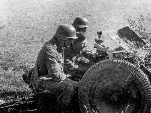 二战兵器全集,严格限制下诞生的德国18型75毫米轻步兵炮