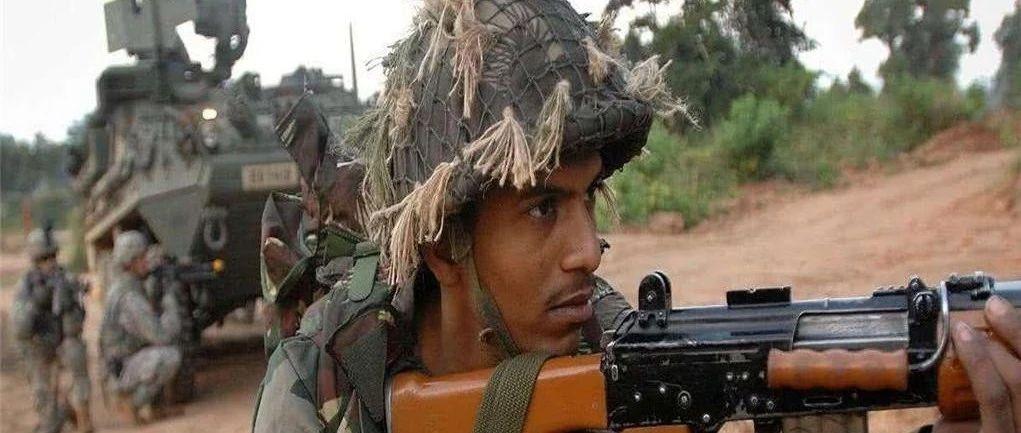印巴边境出现异动,大批装甲车向边境驶来,48小时内决定南亚局势