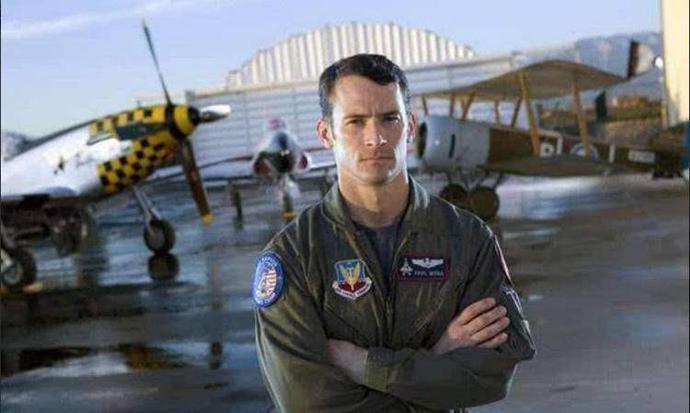 美飞行员声称:曾与仙女星人接触,被告知宇宙人族均来自天琴座