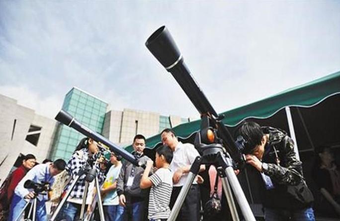 用肉眼通过天文望远镜看太阳,到底有多恐怖?切记不要尝试