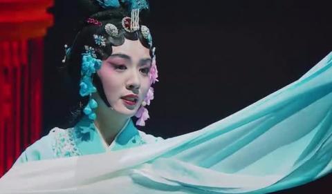 同样是戏曲出身,都是青衣型演员,王晓晨的可塑性比李沁还要强!