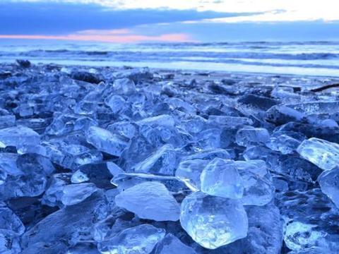 """日本最神秘的""""宝石冰"""",每年只出现1次,现成网红旅游地"""