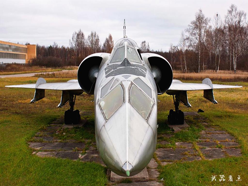 军事丨世界上体型最大的战斗机,连雷达告警器都没有安装