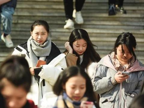 """中传2020艺考进行初试 现场帅哥美女一起冲击新年""""第一考"""""""