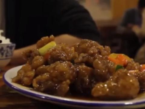 外国人直言5000美元就能吃遍中国一个市,吃了3盘小菜就沦陷