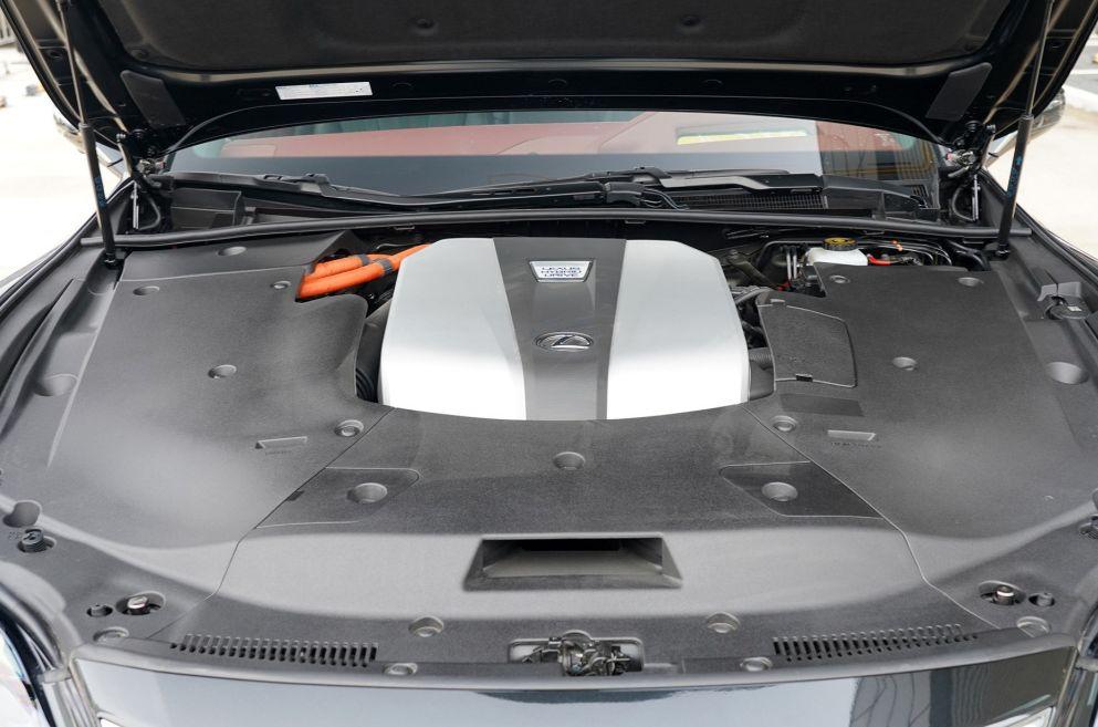 """丰田得力""""干将"""",比宝马7系豪华,长近5米3搭3.5LV6,油耗6.7L"""