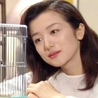 来感受大姐姐的美貌!铃木京香年轻时候也太好康了吧!