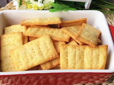 无蛋无油无糖的咸香土豆饼干,低脂瘦身小零食,香脆美味