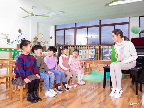 交得起学费,养不起孩子,孩子上个幼儿园难为坏多少家长