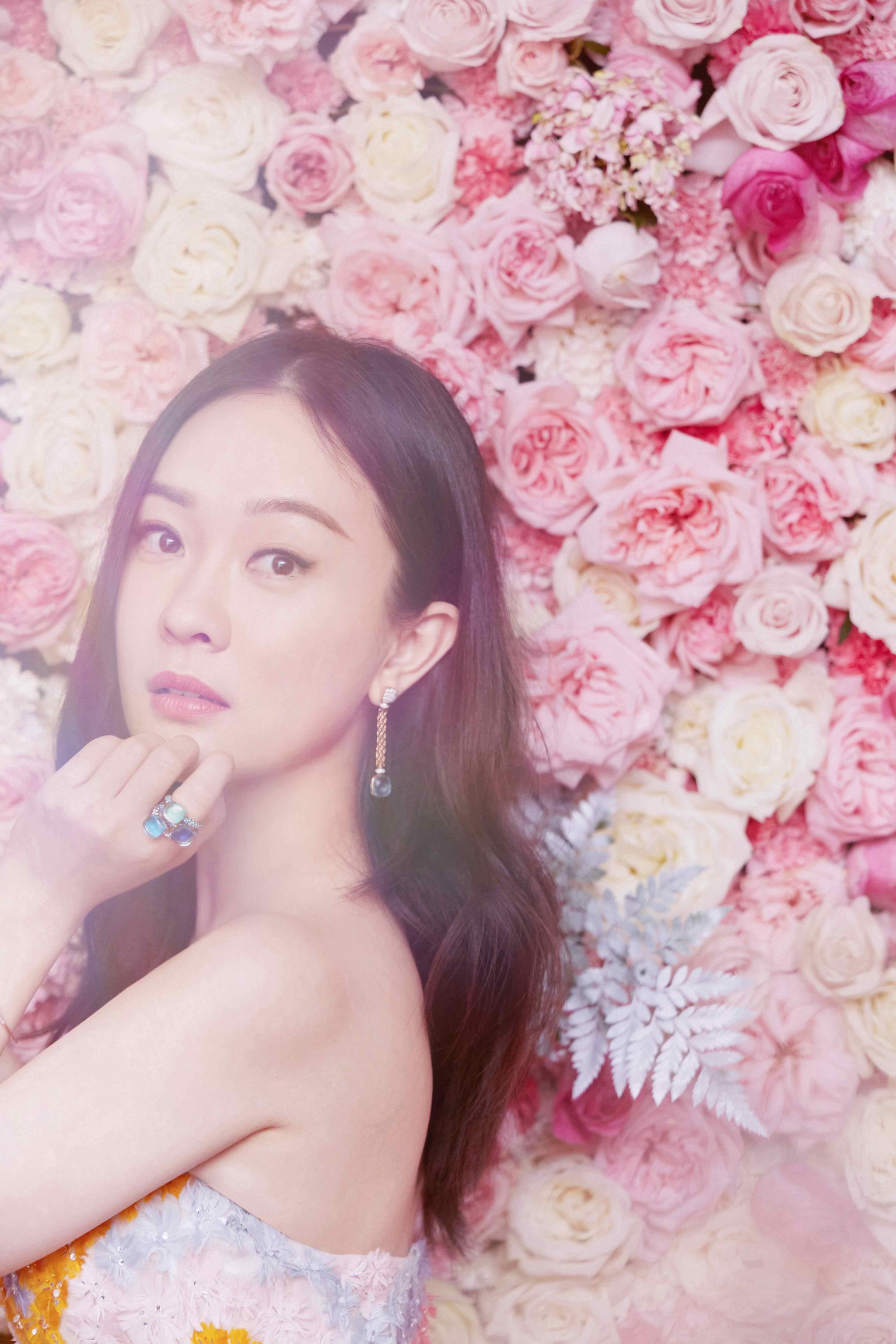 霍思燕锦鲤花朵裙仙气十足杜江为今年首个华语电影奖开场致辞