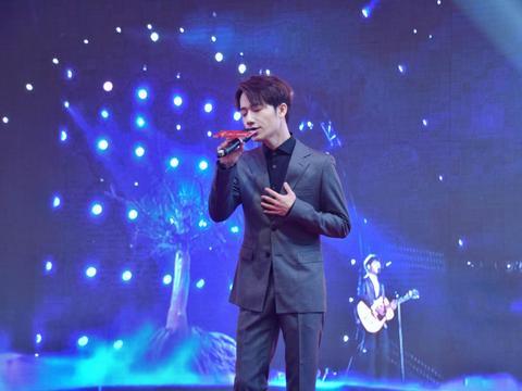 蒋敦豪演绎新专辑主打歌 助力新一季好声音海选