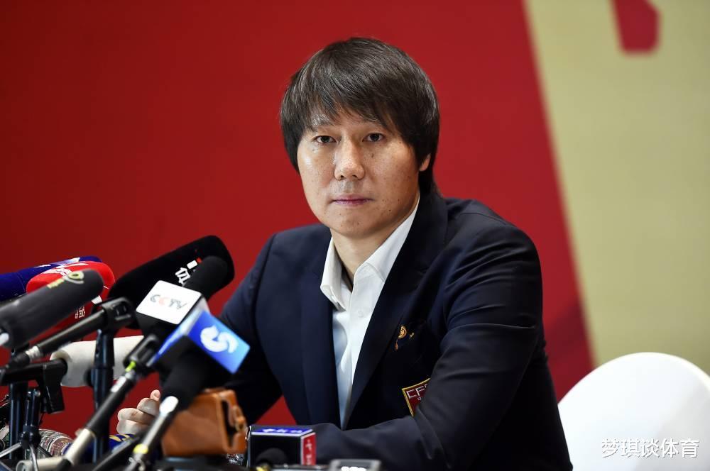 好消息!英格兰助教抵达中国,为李铁助手,国足教练团队实力一流
