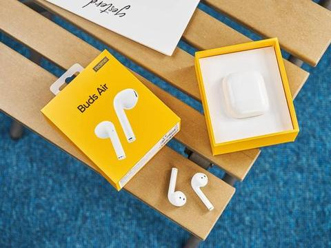 MTK定制R1芯片!realme无线耳机延迟业界最低,难怪逼急了友商