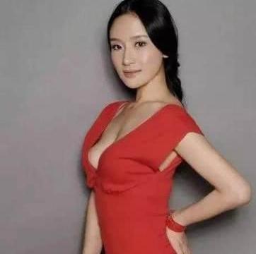 王学兵前妻孙宁晒美照,为正能量发声,40岁的她宛如少女