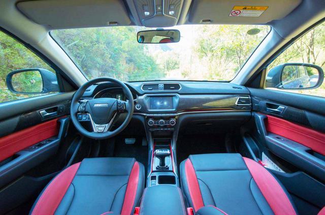 SUV防翻滚系统成热门配置,正在大促的哈弗H2全系标配