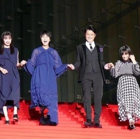 福山雅治登上《LAST LETTER》红毯 对于六本木意想不到的寒意只能苦笑