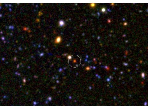 120亿年前已然成型的巨大星系核