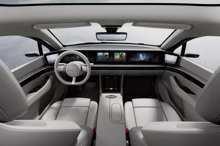 CES消费电子展悄变汽车展?不,是和谐共生!