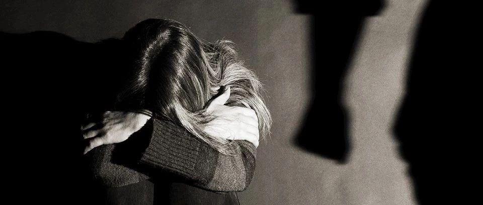 【跟着铜陵0112】一女子遭强奸反杀施暴者,被认定正当防卫!