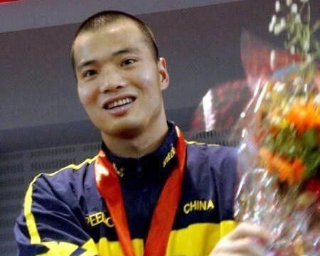 """46岁""""亚洲蛙王"""",中国男子游泳世锦赛首枚奖牌获得者"""
