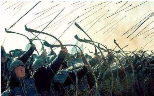古代打仗的时候,为什么站在第一排的士兵,反而存活率高?