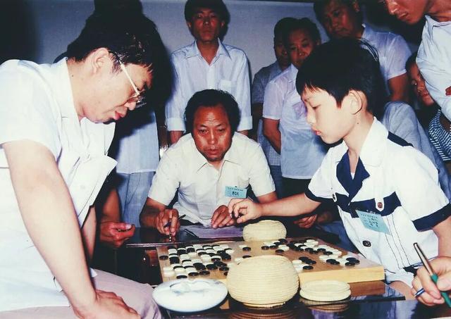 神与少年:中日韩围棋百年争霸往事