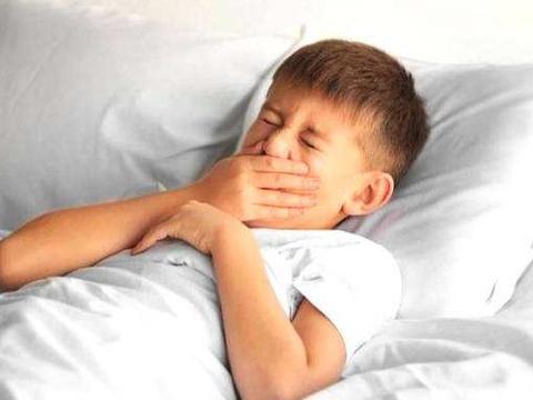 宝宝咳嗽反复不停,家长别一拖再拖,当心宝宝患上支气管炎!