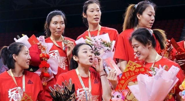 天津队夺冠!教练王宝泉感谢朱婷,朱婷这样说