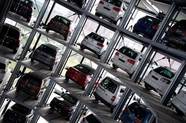 首批新能源车电池报废潮来临!车主:10万元买的车一年多就值3万